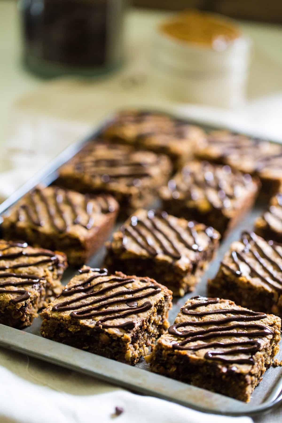 16 Healthy Breakfast Bars on a baking sheet
