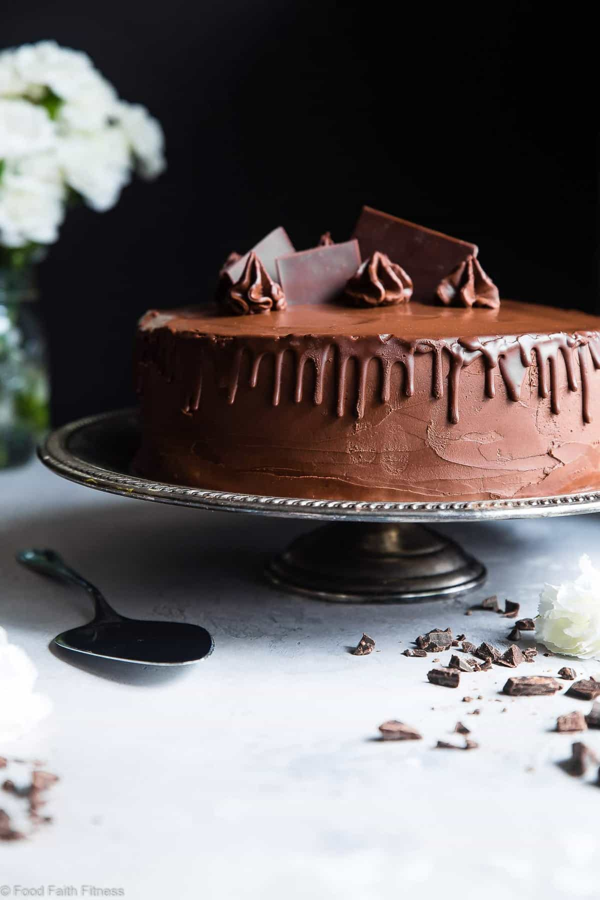 The Best Paleo Chocolate Avocado Cake with Coconut Flour -This dairy and gluten free Chocolate cake is SO fluffy and moist you'll never believe it's butter/oil free and made with avocado! The BEST healthy chocolate cake you will ever have! | #Foodfaithfitness | #Paleo #Grainfree #Dairyfree #Healthy #cake