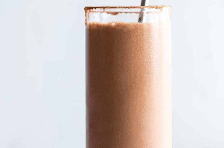 peanut butter chocolate protein shake pic