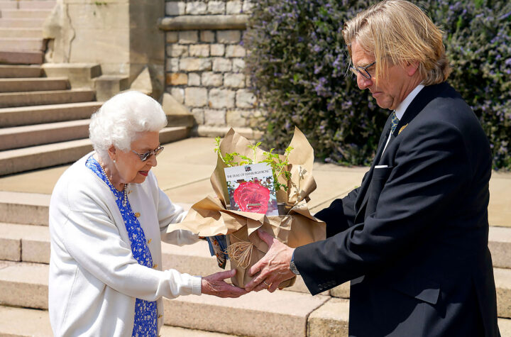 Queen Elizabeth II Honors Prince Philips 100th Birthday With New Rose 002